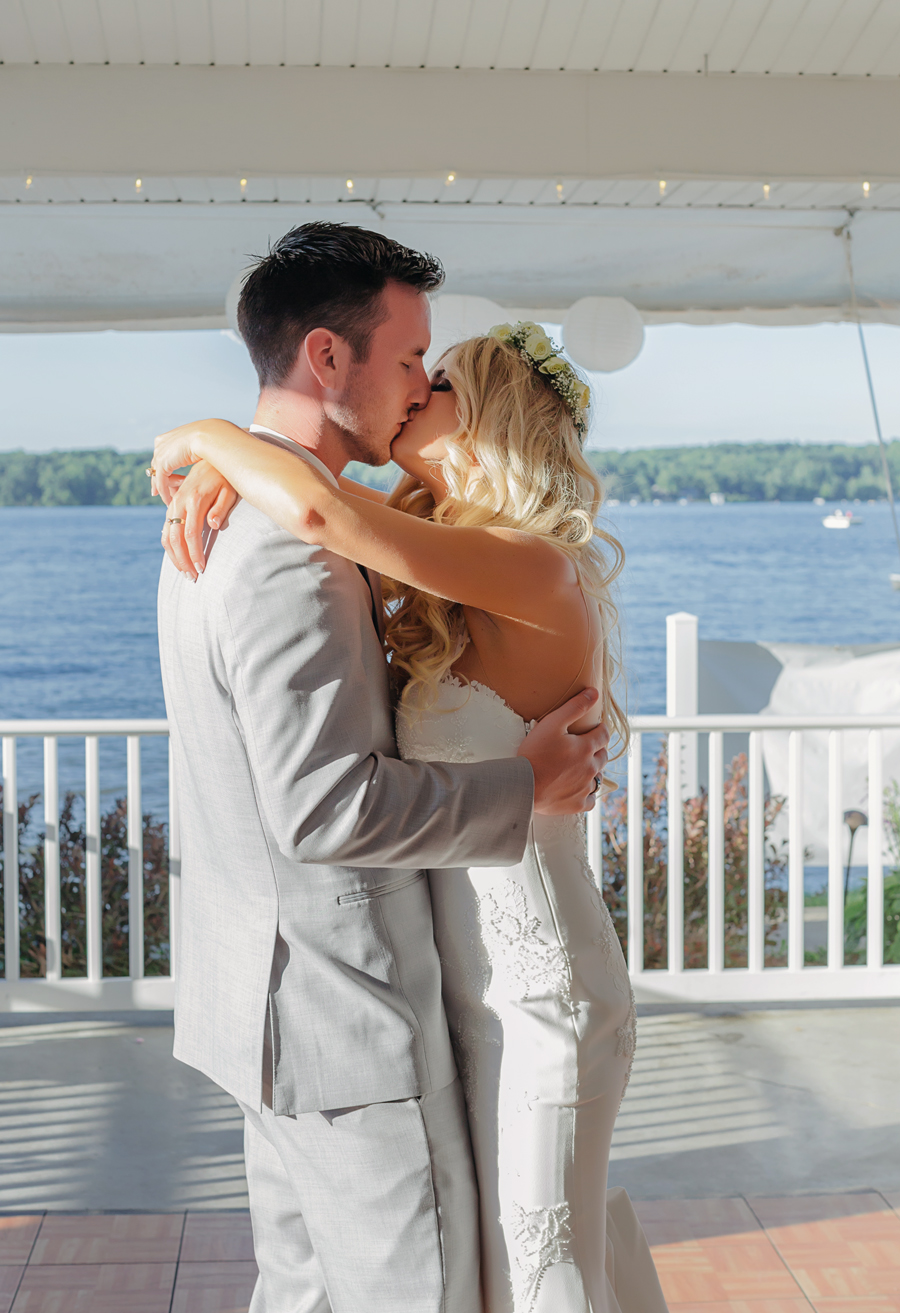 Bay Pointe Inn Wedding192.jpg