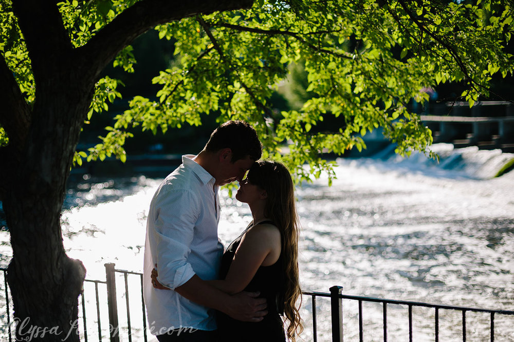 Grand_Rapids_Engagment_Photographer06.jpg