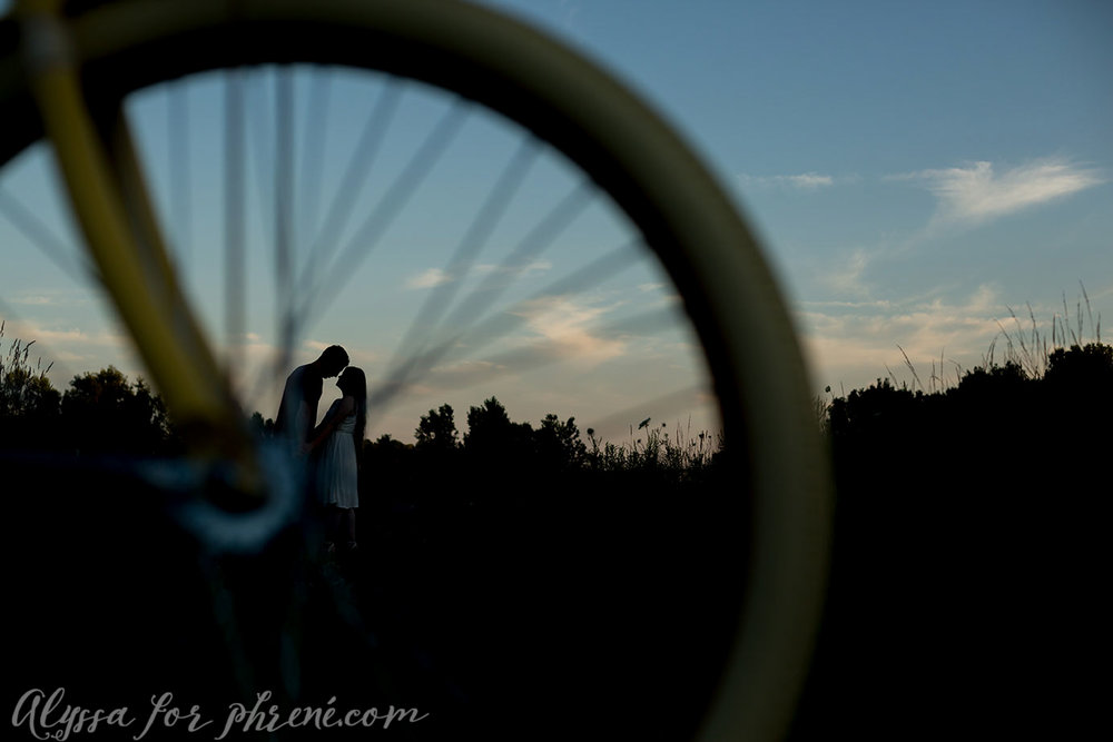 Grand_Rapids_Engagment_Photographer24.jpg