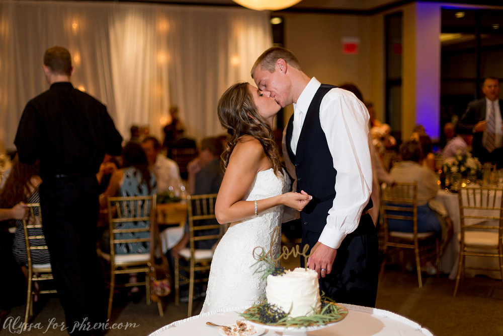 Sunnybrook_Country_Club_Wedding138.jpg