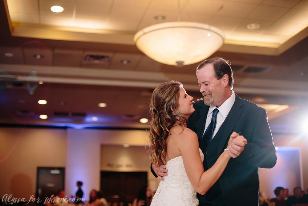 Sunnybrook_Country_Club_Wedding144.jpg