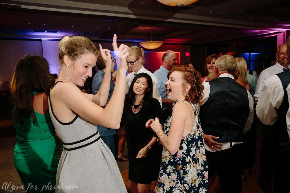Sunnybrook_Country_Club_Wedding150.jpg