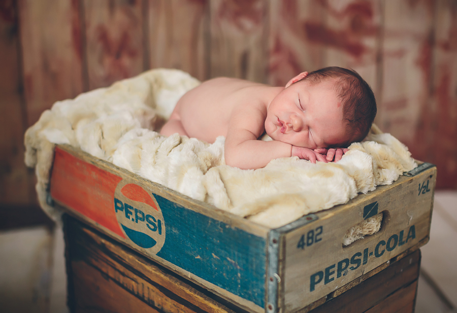Grand Rapids Newborn Photographer014.jpg