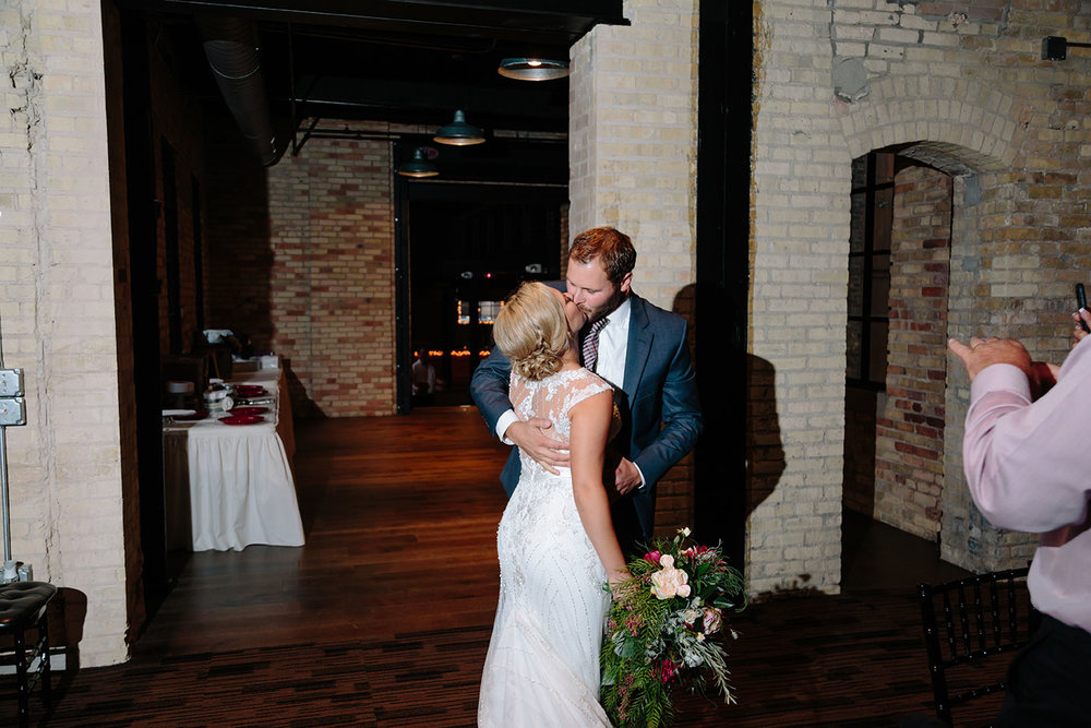 The_New_Vintage_Place_Wedding_091.jpg