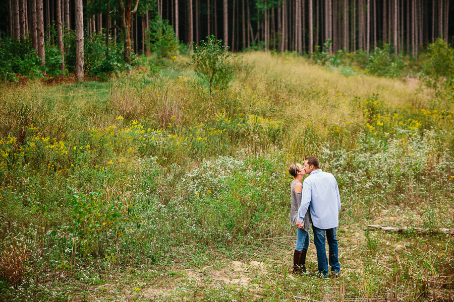 wooded engagement02.jpg