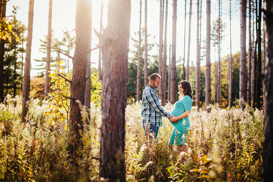 romantic-maternity-woods09.jpg