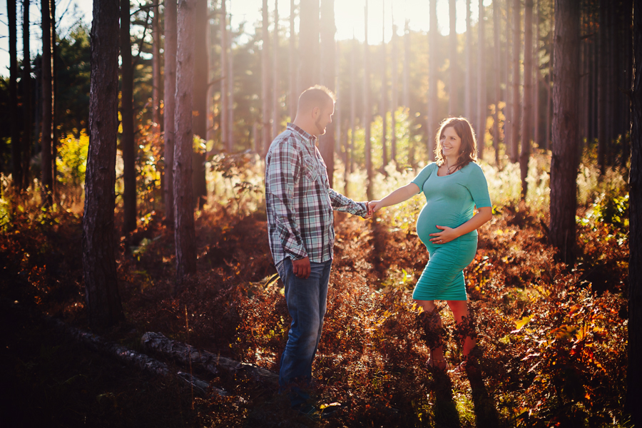 romantic-maternity-woods17.jpg