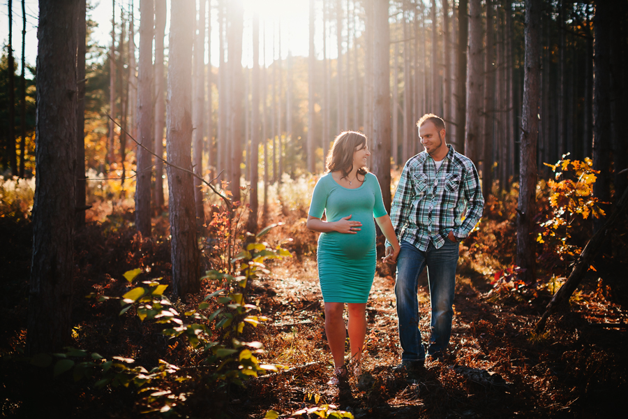 romantic-maternity-woods22.jpg