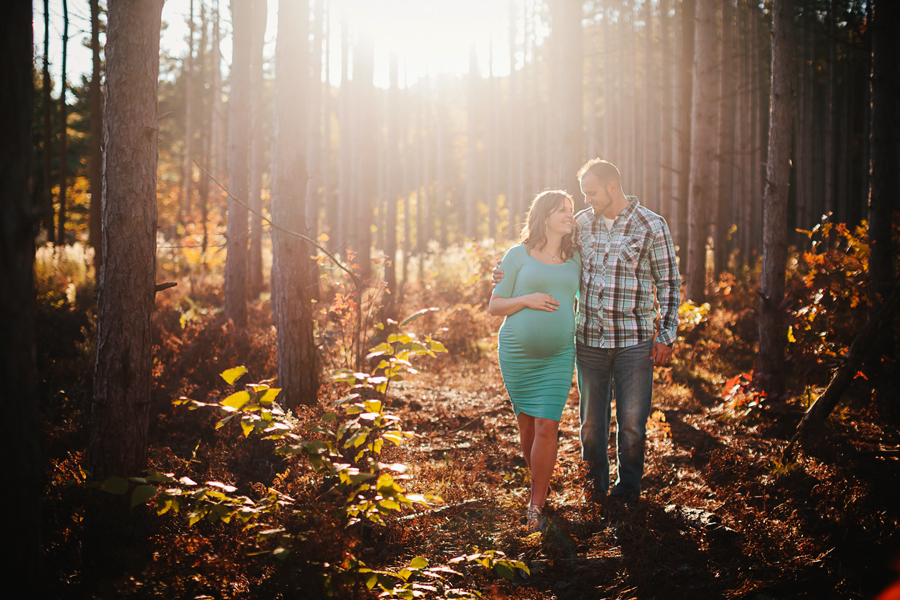 romantic-maternity-woods23.jpg