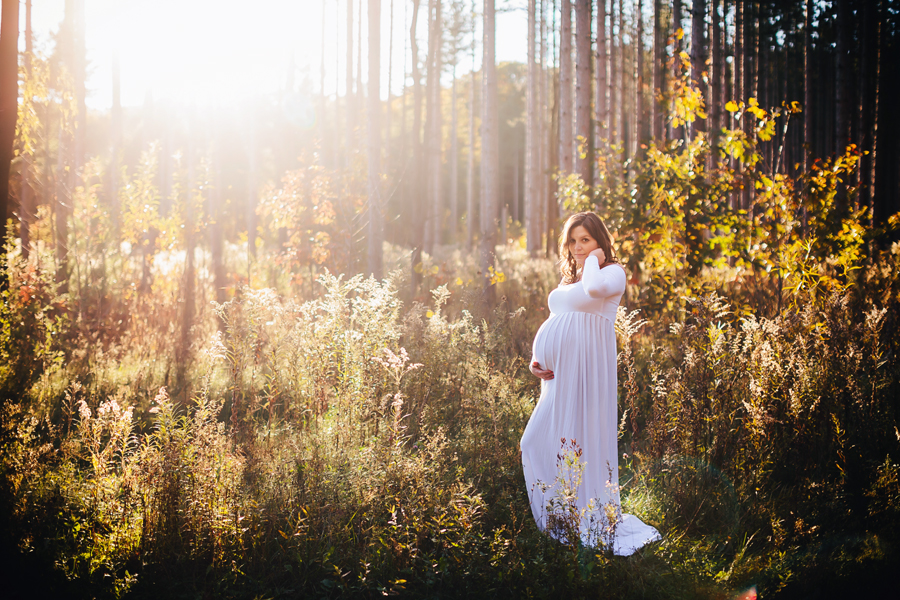 romantic-maternity-woods26.jpg