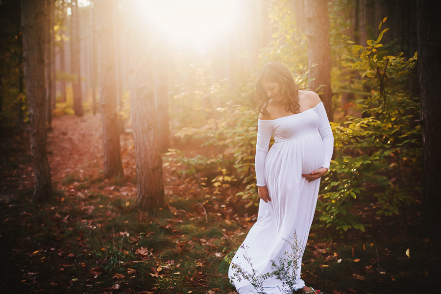 romantic-maternity-woods29.jpg