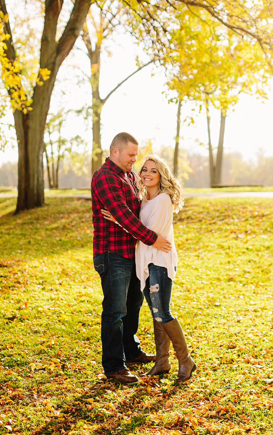 Grand-Rapids-fall-engagement01.jpg