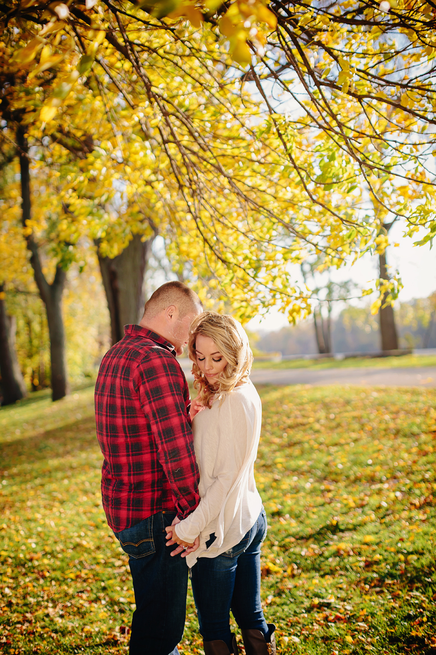 Grand-Rapids-fall-engagement03.jpg
