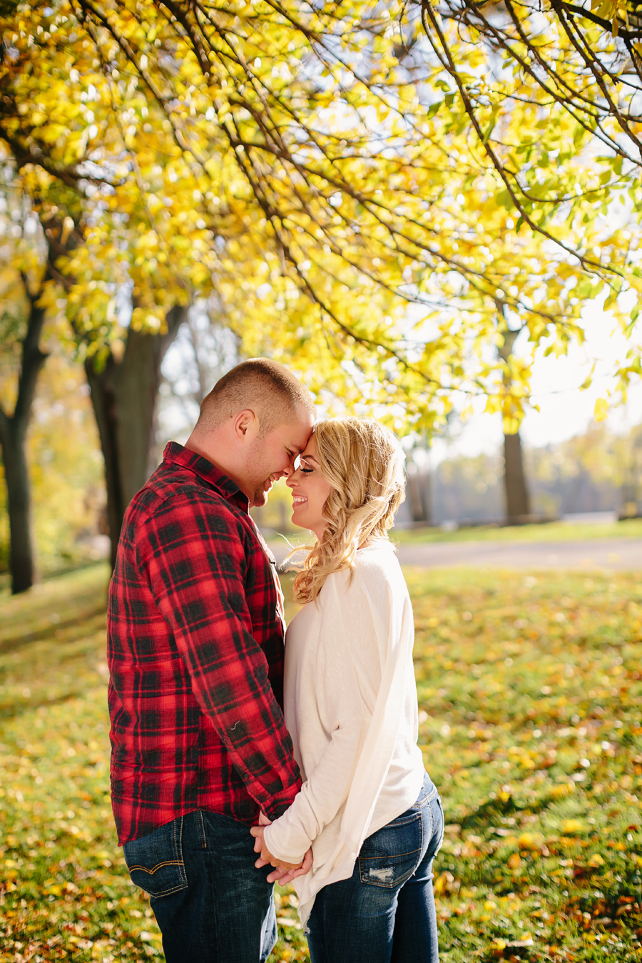 Grand-Rapids-fall-engagement04.jpg