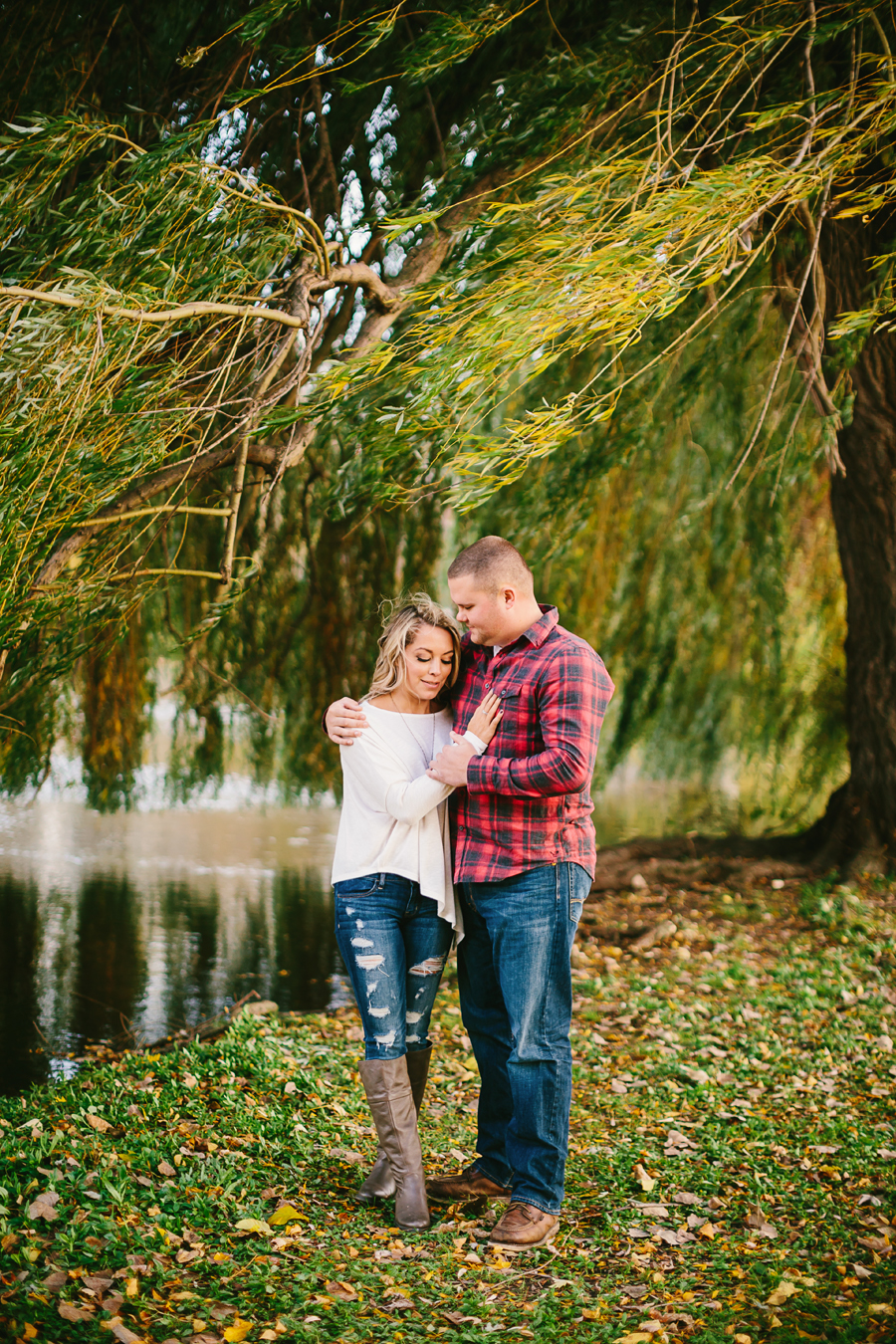 Grand-Rapids-fall-engagement10.jpg