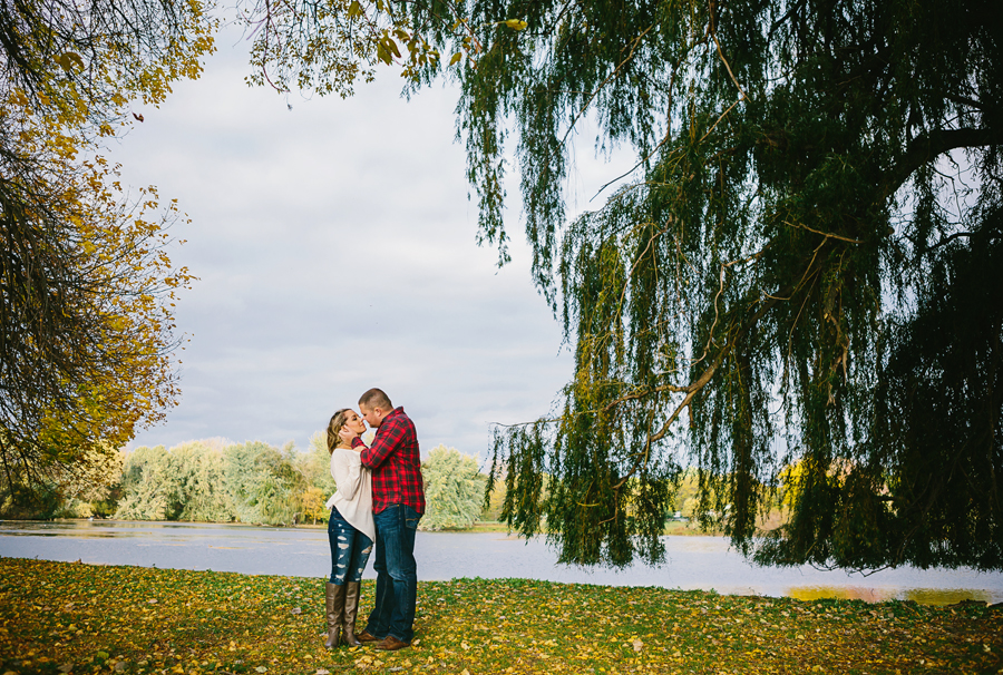 Grand-Rapids-fall-engagement15.jpg