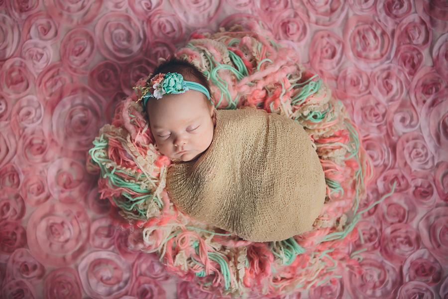 Artistic-Newborn-Photography02.jpg