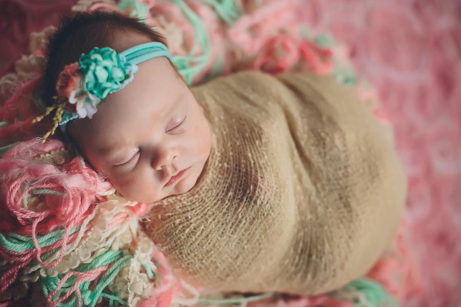 Artistic-Newborn-Photography01.jpg