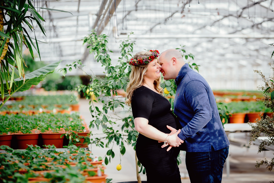 greenhouse-maternity-photography-red-flowercrown03.jpg