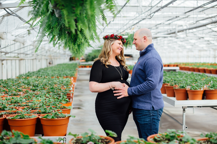 greenhouse-maternity-photography-red-flowercrown10.jpg