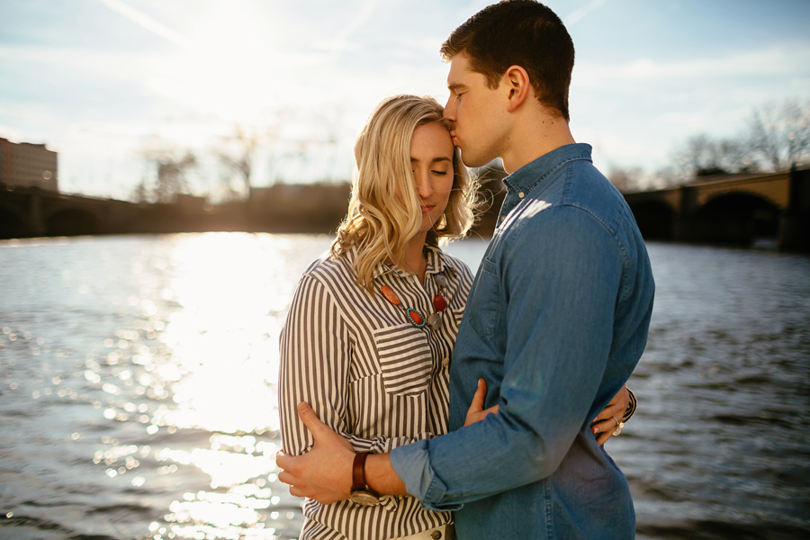 engagement-photography-downtown-grand-rapids47.jpg