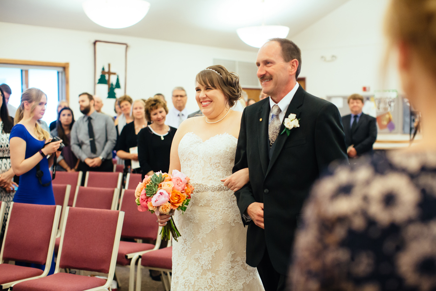 Grand_Rapids_Spring_Wedding_Photographer_Prairie_Wolf_Park_037.jpg