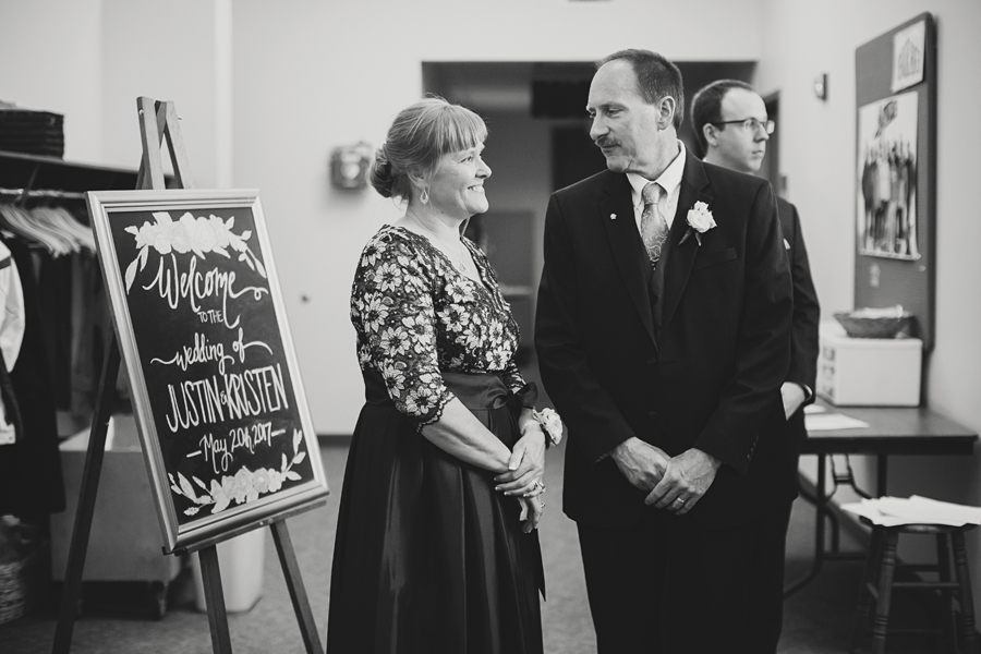 Grand_Rapids_Spring_Wedding_Photographer_Prairie_Wolf_Park_046.jpg