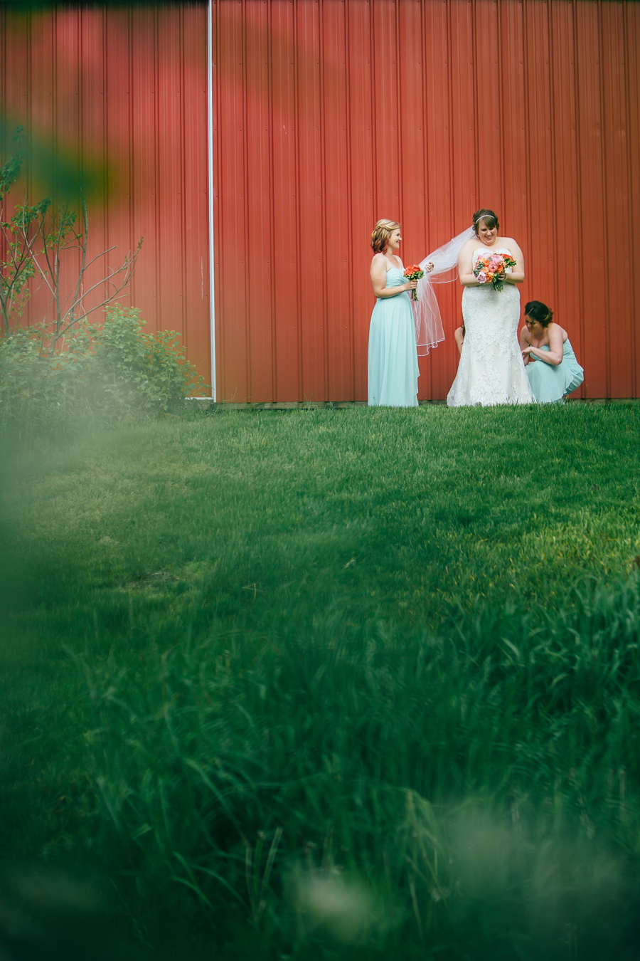 Grand_Rapids_Spring_Wedding_Photographer_Prairie_Wolf_Park_050.jpg
