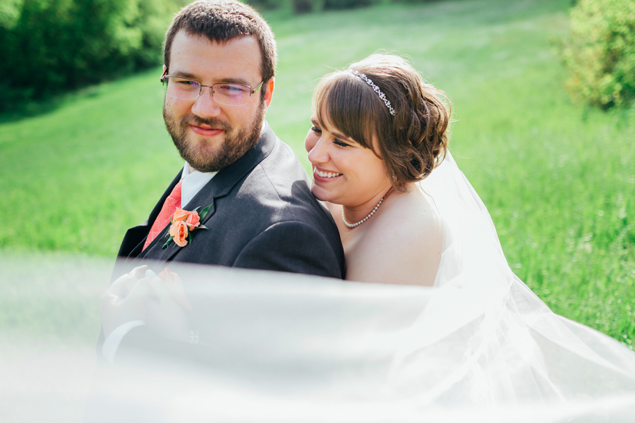 Grand_Rapids_Spring_Wedding_Photographer_Prairie_Wolf_Park_068.jpg