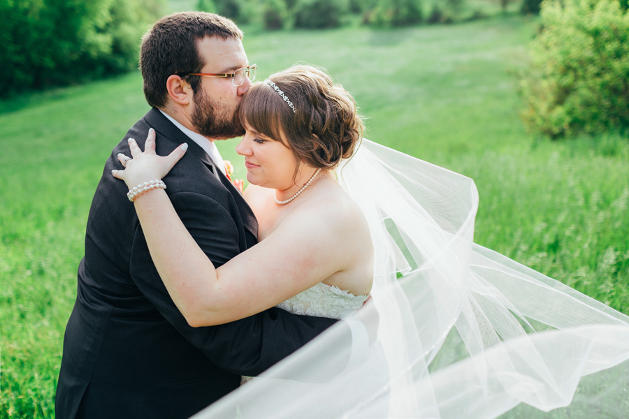 Grand_Rapids_Spring_Wedding_Photographer_Prairie_Wolf_Park_069.jpg