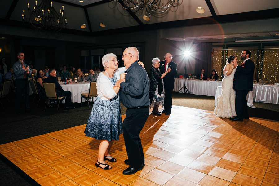Grand_Rapids_Spring_Wedding_Photographer_Prairie_Wolf_Park_101.jpg