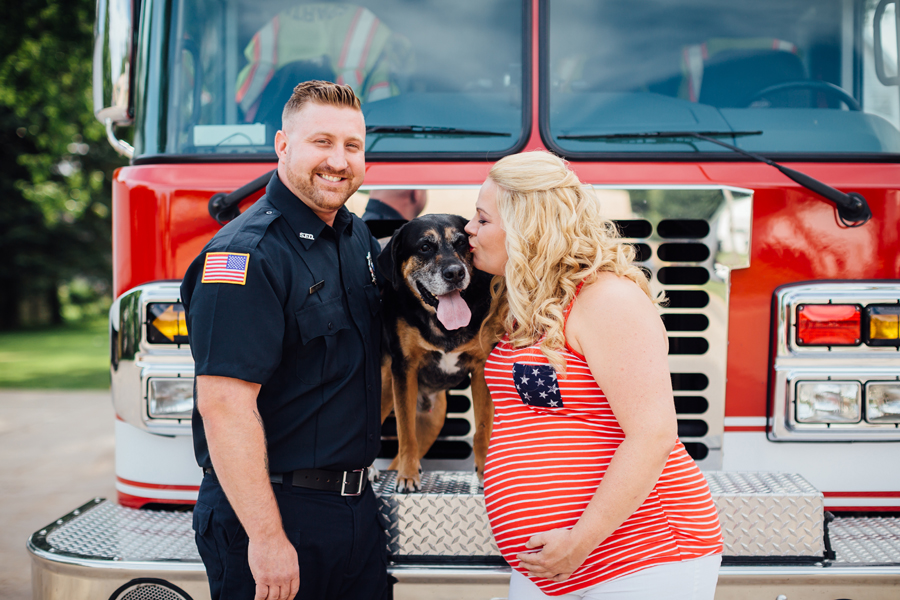 country_Maternity_firefighter_maternity_photography04.jpg