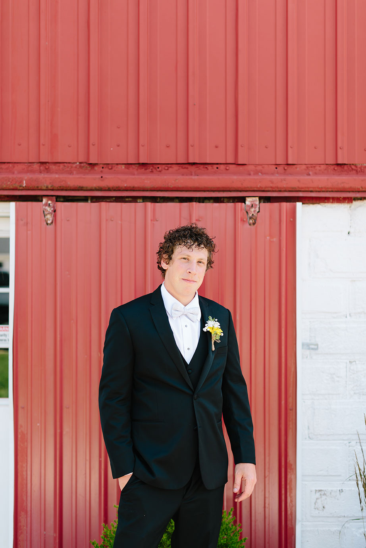 Centennial_Barn_Wedding_010.jpg