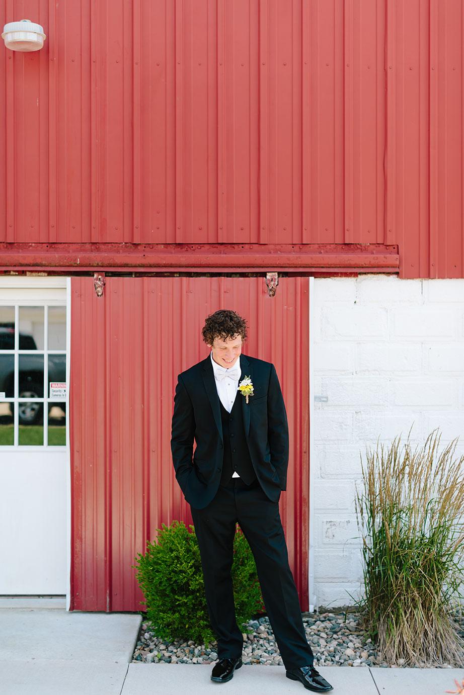 Centennial_Barn_Wedding_011.jpg