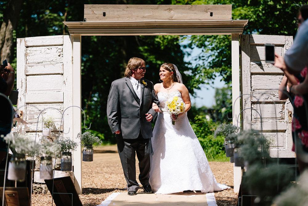Centennial_Barn_Wedding_046.jpg