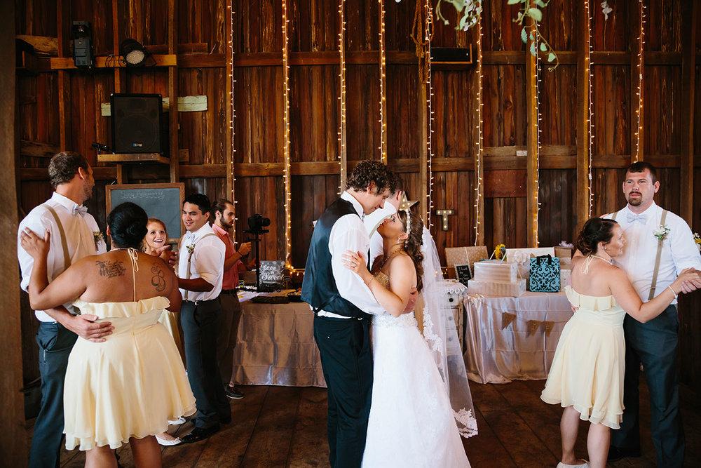 Centennial_Barn_Wedding_109.jpg