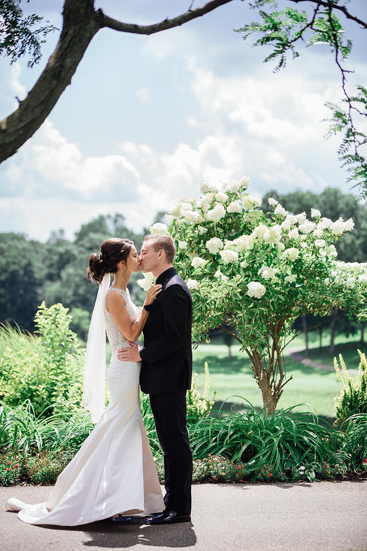 KalamazooCountryClub_Wedding_Photography019.jpg