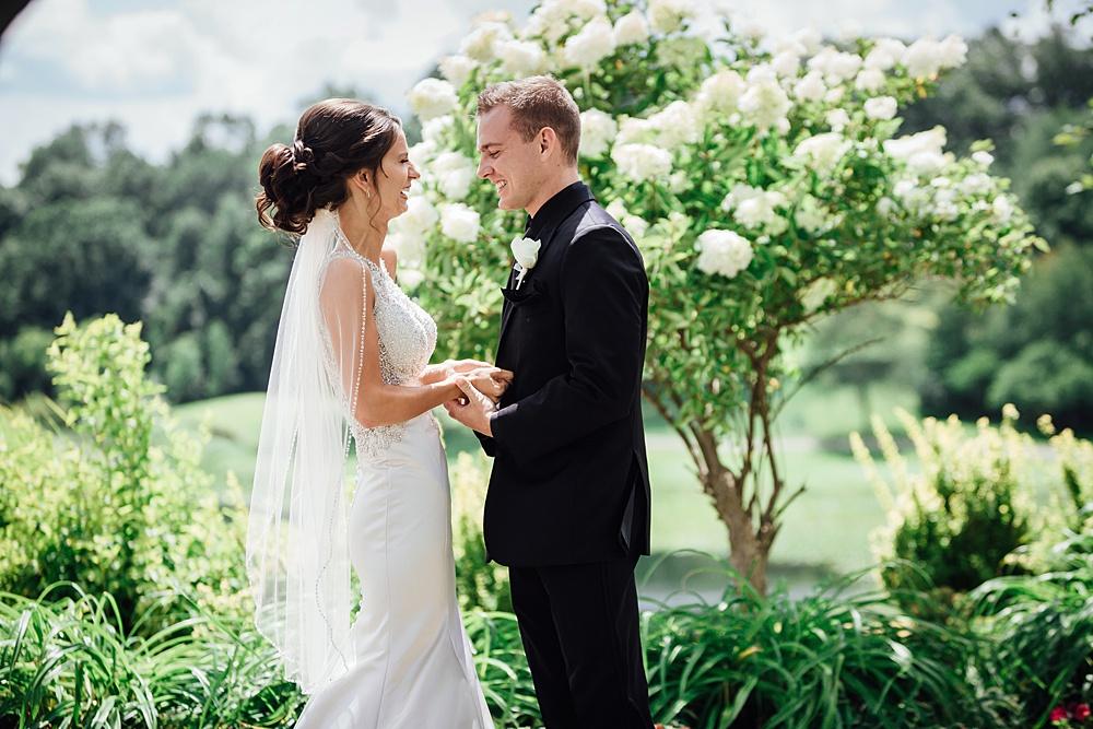 KalamazooCountryClub_Wedding_Photography023.jpg