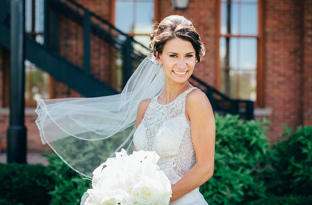 KalamazooCountryClub_Wedding_Photography040.jpg