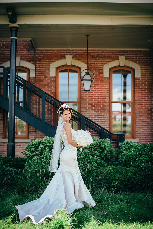 KalamazooCountryClub_Wedding_Photography041.jpg
