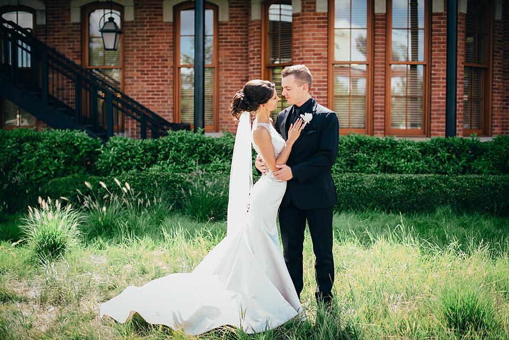 KalamazooCountryClub_Wedding_Photography048.jpg