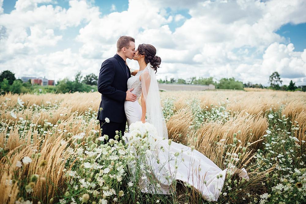KalamazooCountryClub_Wedding_Photography056.jpg