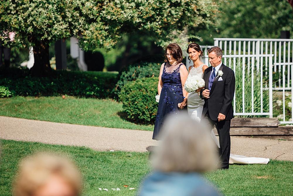 KalamazooCountryClub_Wedding_Photography074.jpg