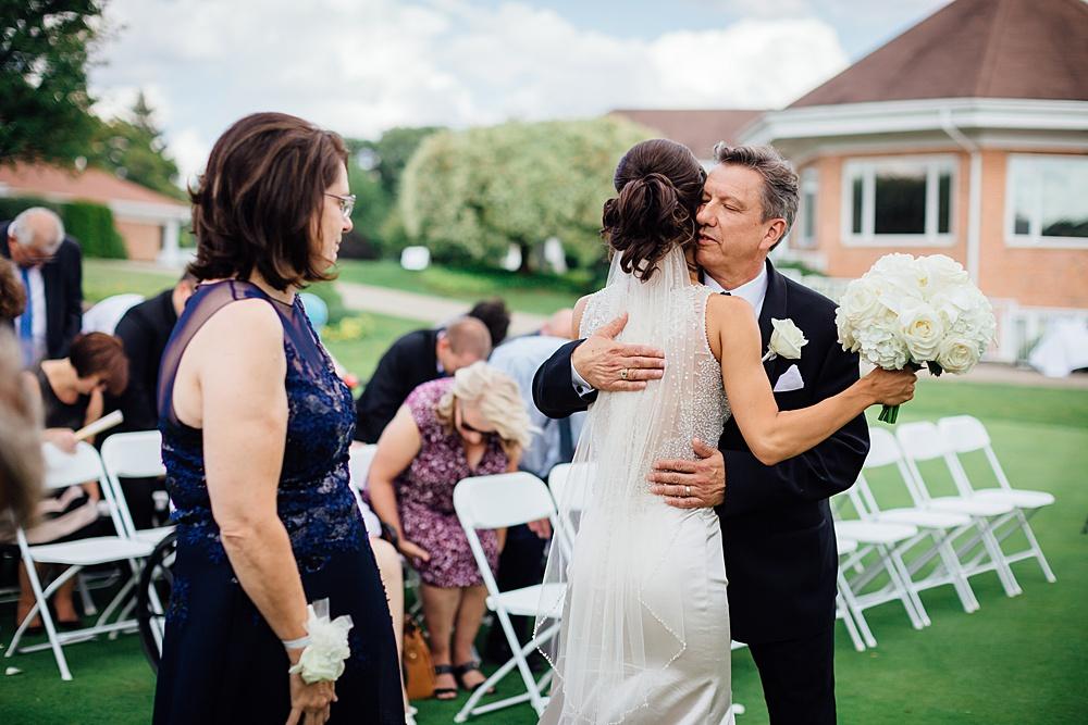 KalamazooCountryClub_Wedding_Photography077.jpg