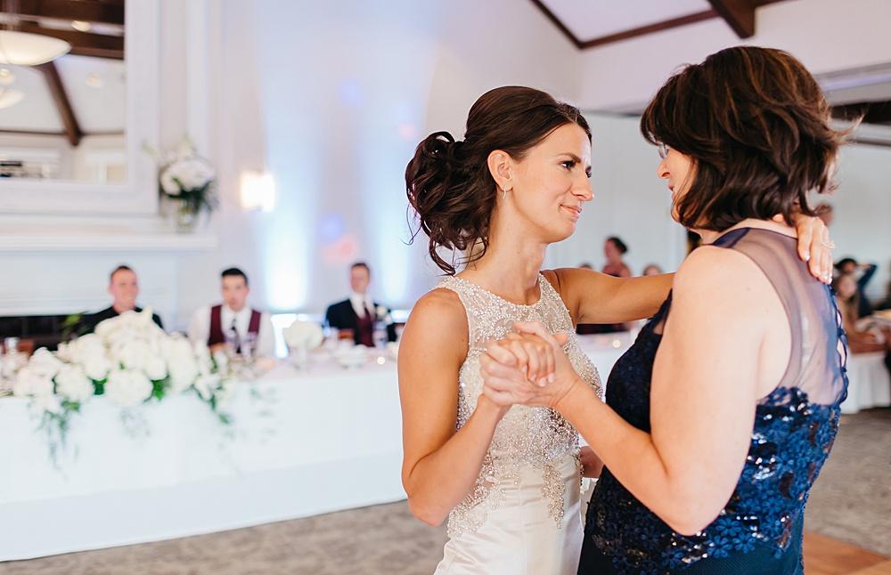 KalamazooCountryClub_Wedding_Photography126.jpg