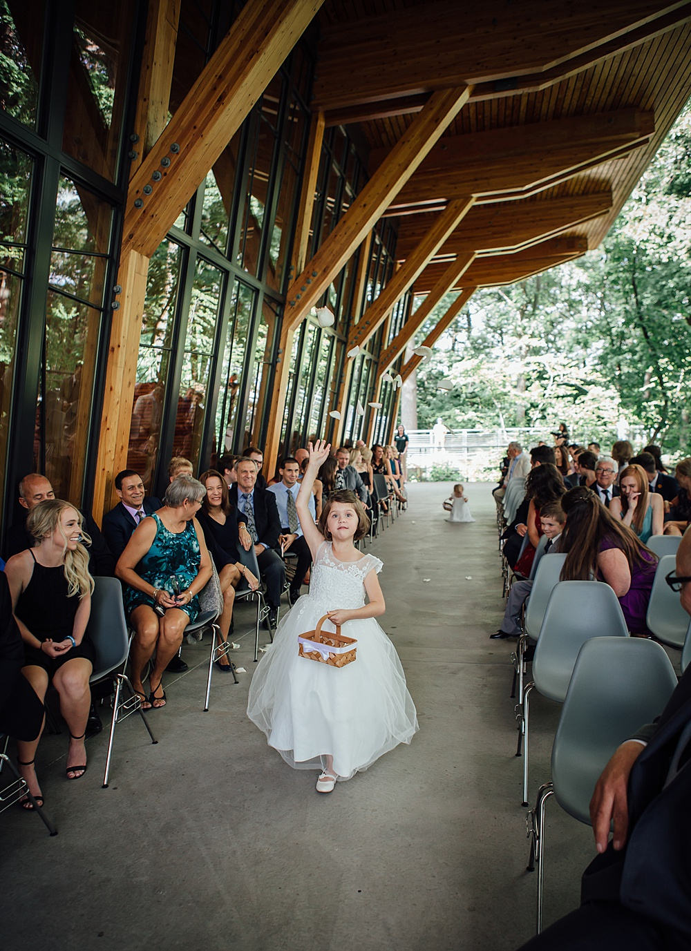 Bissell_Treehouse_Wedding_photography077.jpg