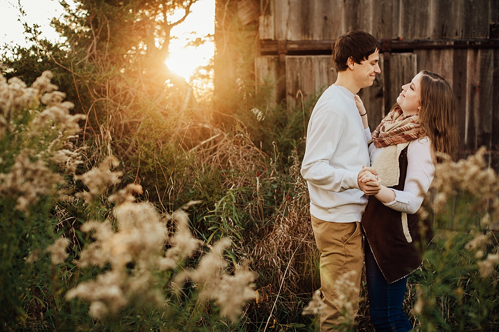 fall_apple_orchard_engagement-photography046.jpg