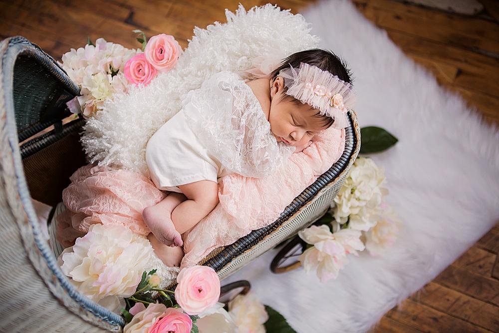 vibrant-colors- newborn-photography01.jpg
