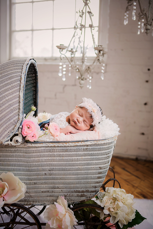 vibrant-colors- newborn-photography03.jpg