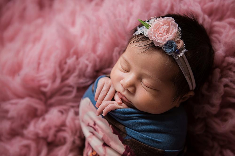 vibrant-colors- newborn-photography09.jpg
